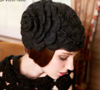 Pure handmade super big flower pearl winter beret