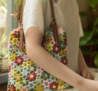 Shereo's crochet pattern+video tutorial of floral Blooming women's shoulder bag