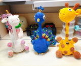 Shereo's crochet pattern of 5 animals styles of pen caps--peacock, seahorse, jellyfish, unicorn, and giraffe.