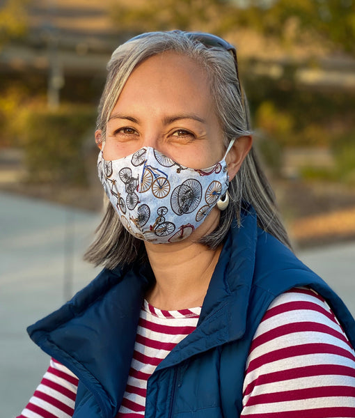 woman wearing bike face mask