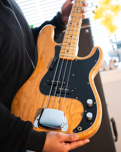 Fender Precision '74 Natural Mint Condition