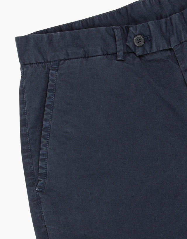 Shelford navy shorts