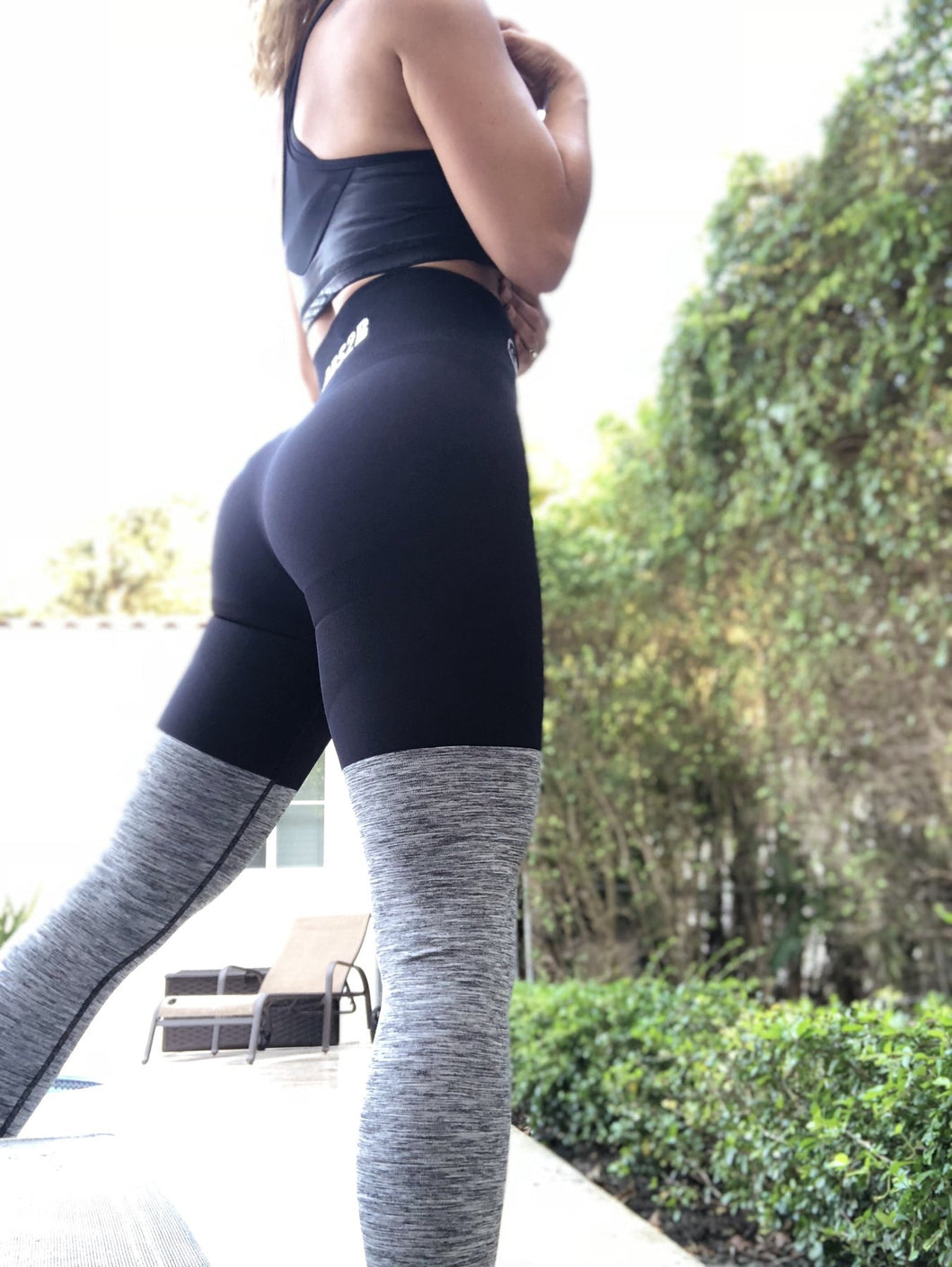 Seamless PRO High Knee Booty Plumper in Black (No Scrunch)