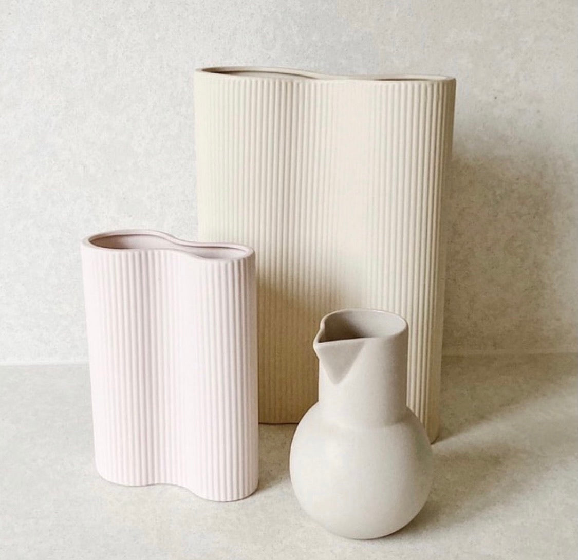 Ribbed Infinity Vase (S)