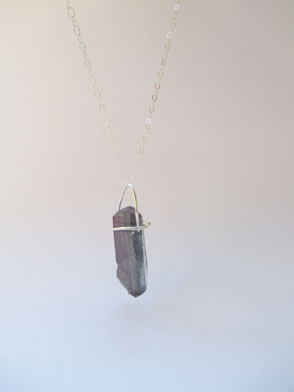 Handmade Une Rough Grey Crystal Necklace