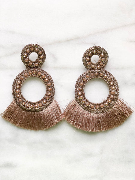 Slow Dancing Earrings: Taupe