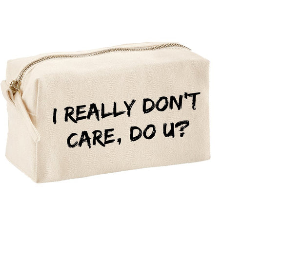 I Really Don't Care, Do u? Melania Trump Make‑Up Bag