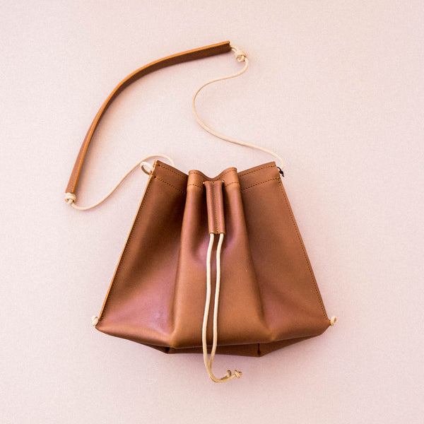 Trapeze Sling in Tan