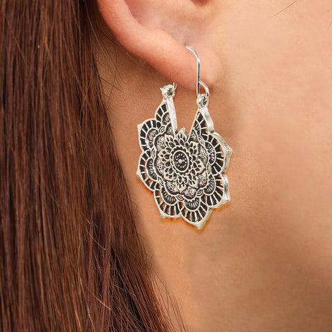Vintage ethnic style carved flower earrings