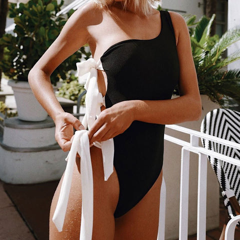 Women's Sexy One-Shoulder One-Piece Swimsuit