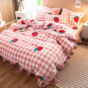 Fashion Strawberry Bedding Set PN1975