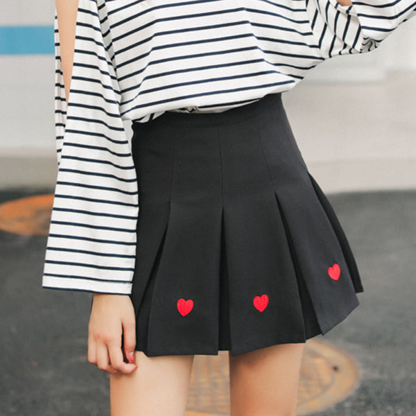 Fashion Embroidered Hearts Pleated Skirt PN2024