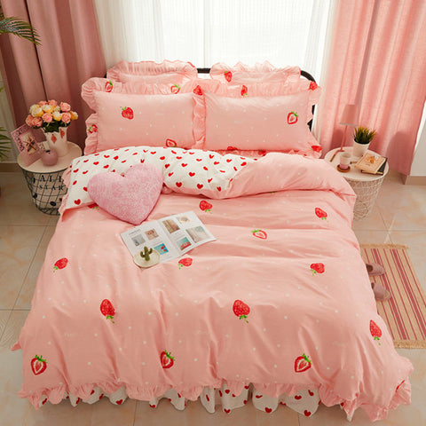 Pretty Strawberry And Heart Bedding Set PN0586