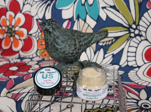 lip scrub made with vanilla-infused jojoba oil, organic sugar, and vanilla bourbon CO2 extract