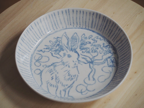 Bestiary Medium Porcelain Plate ⌀21,5cm (Hare in the Moon)
