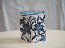 Load image into Gallery viewer, Indigo Lily Hexagonal Lidded Box