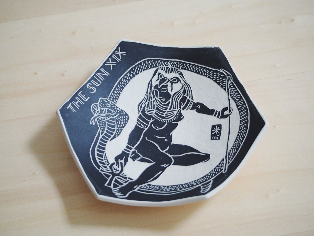 Mythologies Hexagonal Plate ⌀15cm (The Sun)