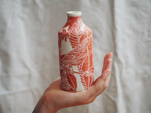 Load image into Gallery viewer, Flora & Fauna Vermillion Bird Bottle