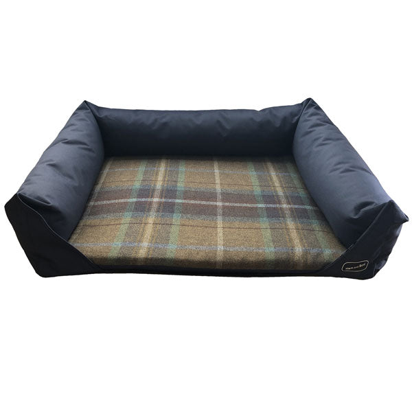Hem and Boo Country Check Navy Dog Bed