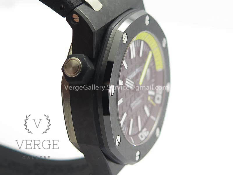 ROYAL OAK OFFSHORE DIVER 15706 FORGED CARBO BLACK DIAL ON RUBBER STRAP V2 XF