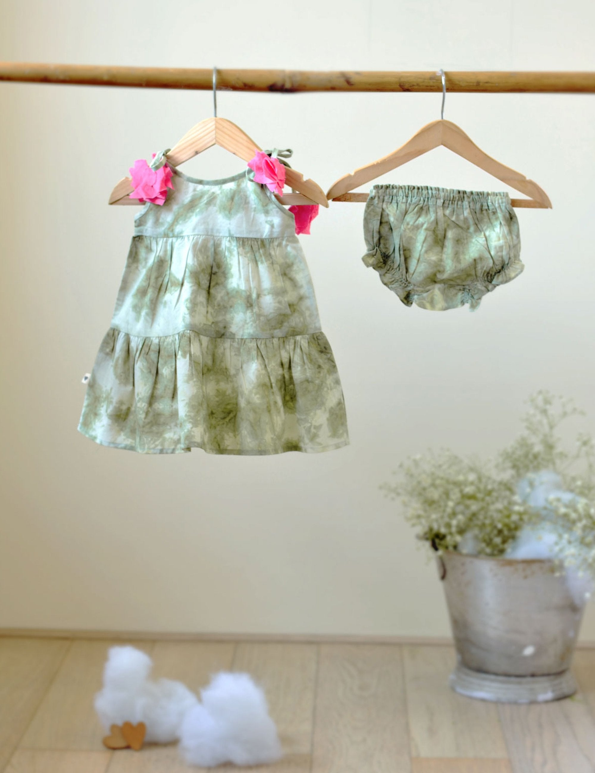Sleeveless Tiered Dress in Green
