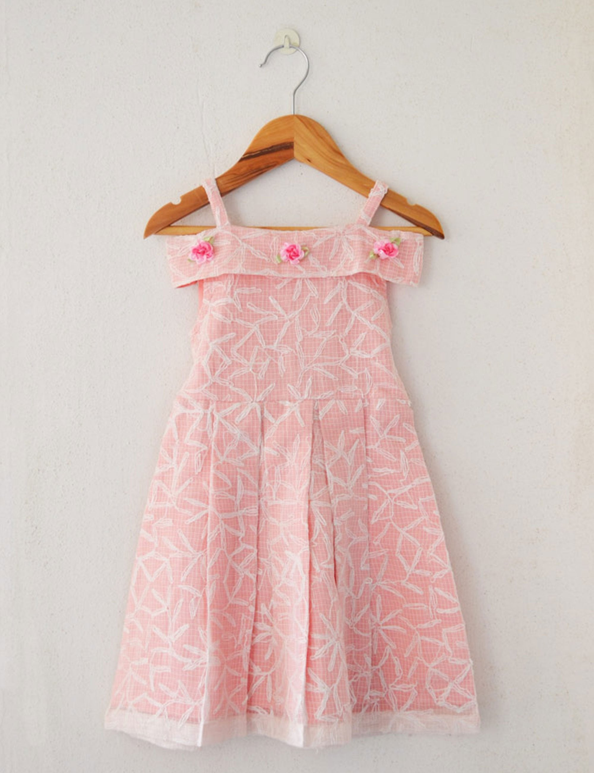 Linen dress in pink colour for girls