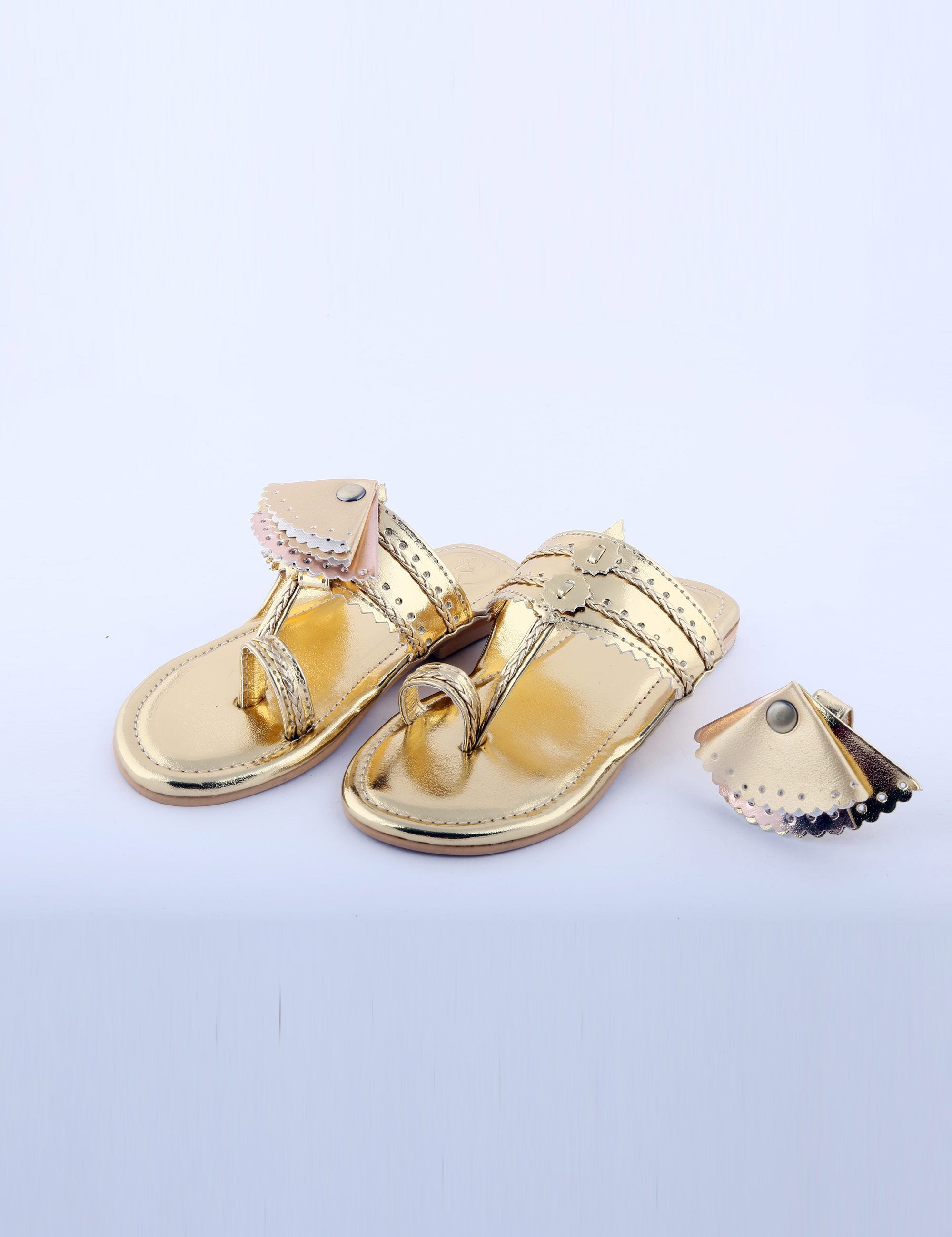Gold Knotted Flat for Girls