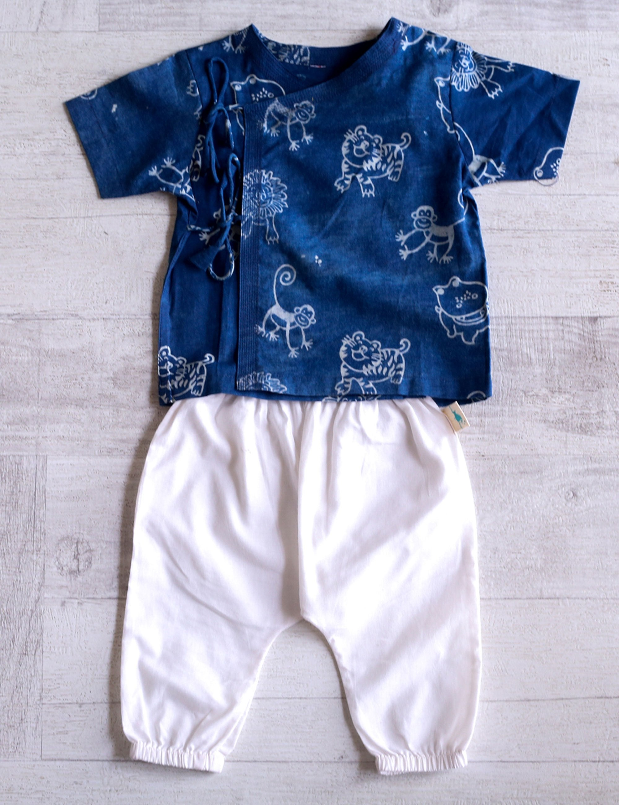 Top with Pajama In White and Blue Colour for Girls and Boys