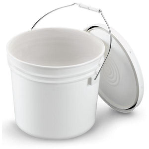 2 Gallon Bucket with lid