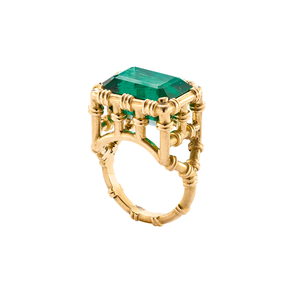 A bamboo motif ring with emerald on the top in 18 karat yellow gold by Solange Azagury-Partridge