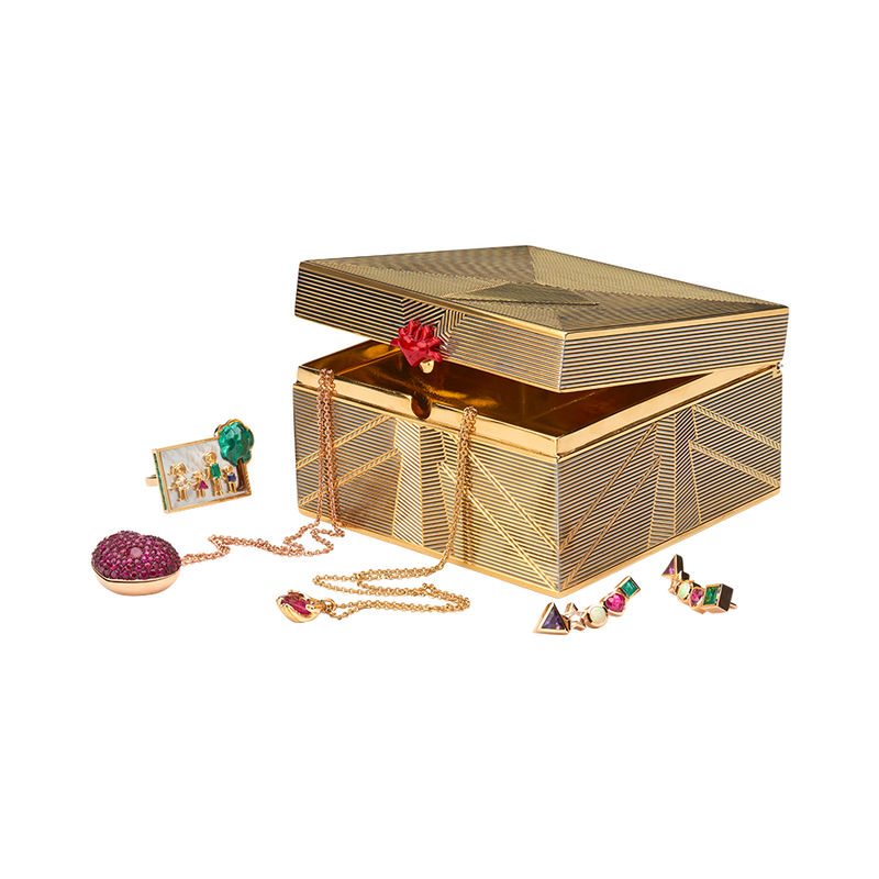 A keepsake engraved box with flaming heart as clasp in gold vermeil and lacquer box by Solange Azagury-Partridge