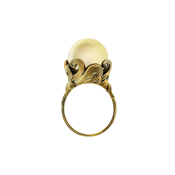 Venus Ring Golden Pearl