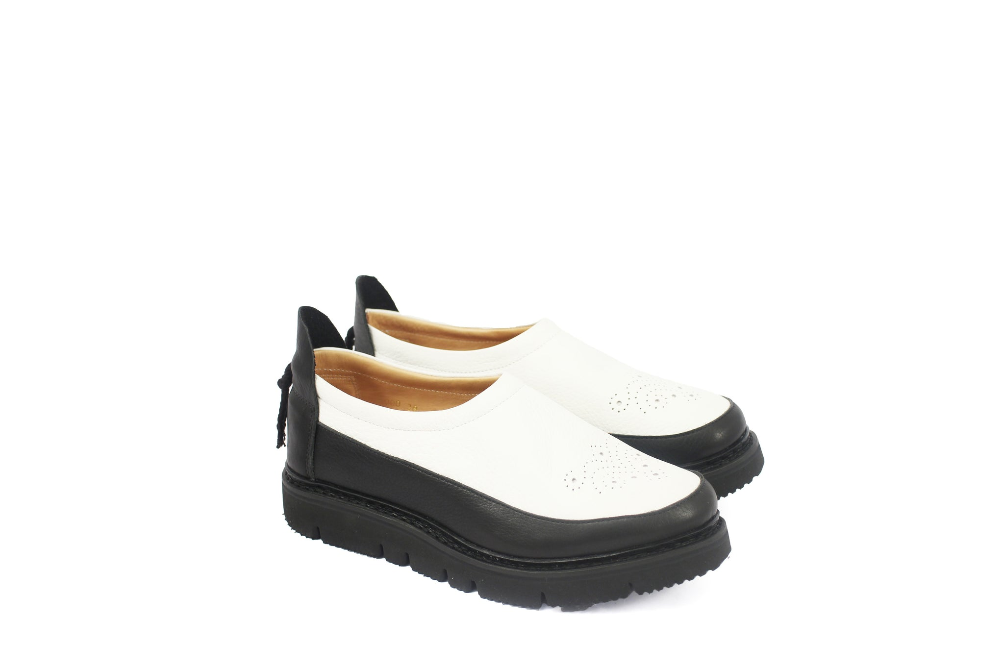 MOC SHOES BLACK+WHITE