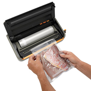 "FoodSaver GameSaver Wingman (plus free carrying case & extra 11""x10' roll)"