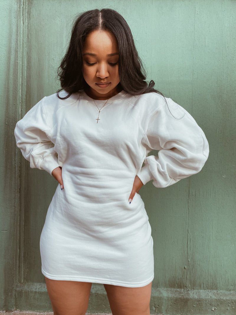 Peepin Her Sweater Dress | White