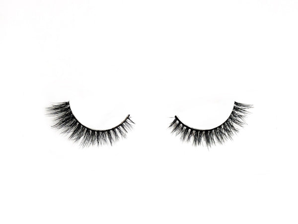 Shop Love Pretty Pretty Subtle Lashes for Small Eyes