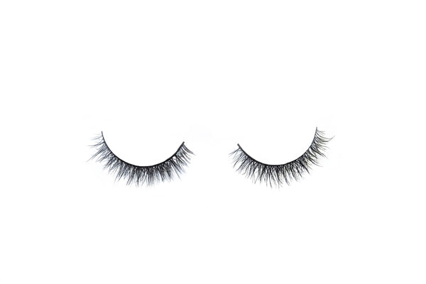 pretty easy style fake lashes for small, petite, or asian eyes