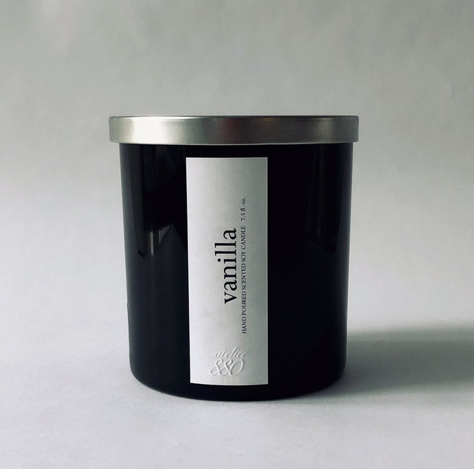 vanilla scented luxury soy candle