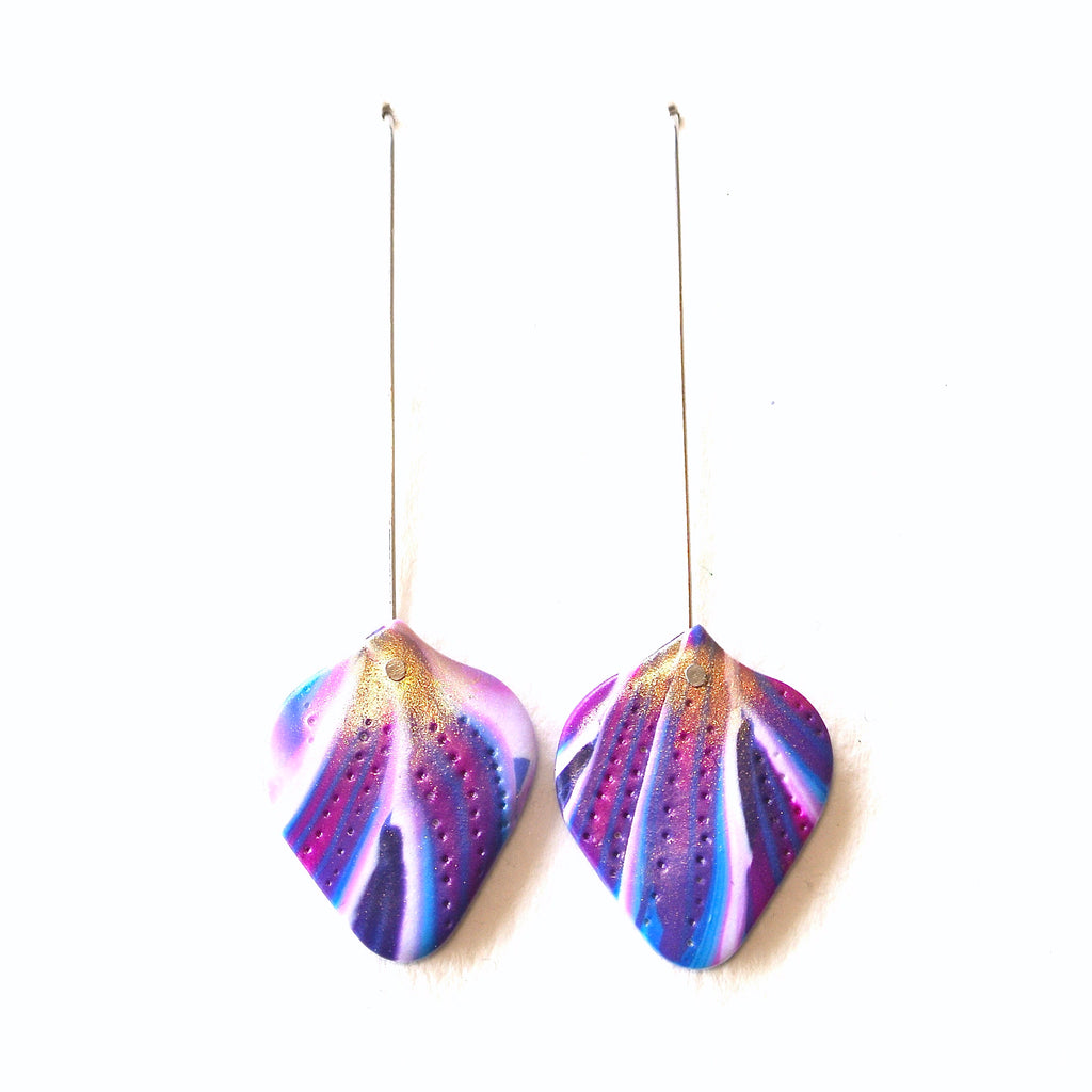 Violet Dreams Streaked Petal Hook Drops