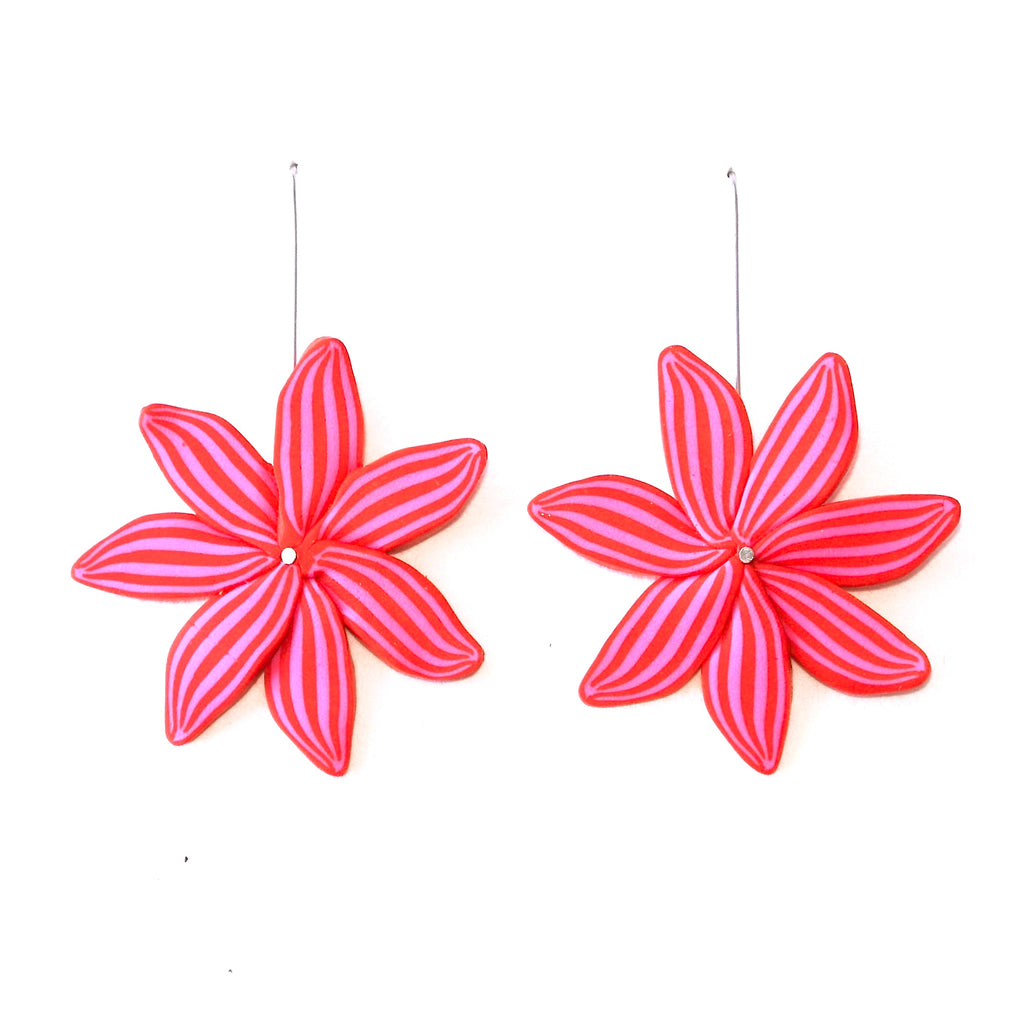 Red & Pink Daisy Hook Drops