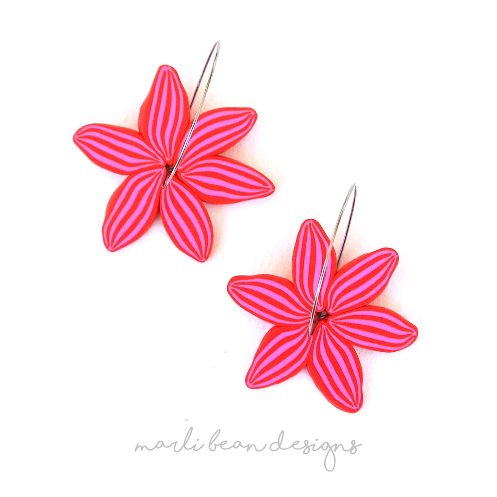 Red & Pink | Pinwheel Daisy Hoops