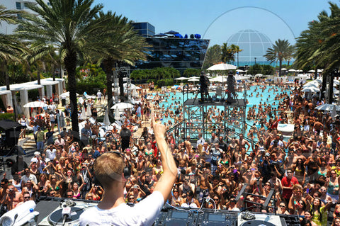 Fontainebleau pool party in Miami Beach
