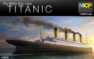 Academy 14215 1/400 R.M.S TITANIC MCP (COLOUR PARTS)