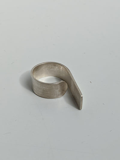 Jundo Covering Finger Ring