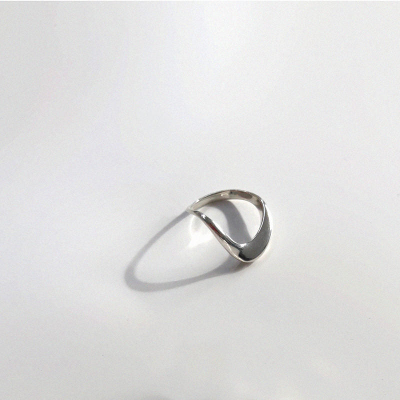 Large Wave Ring Silver-50m London