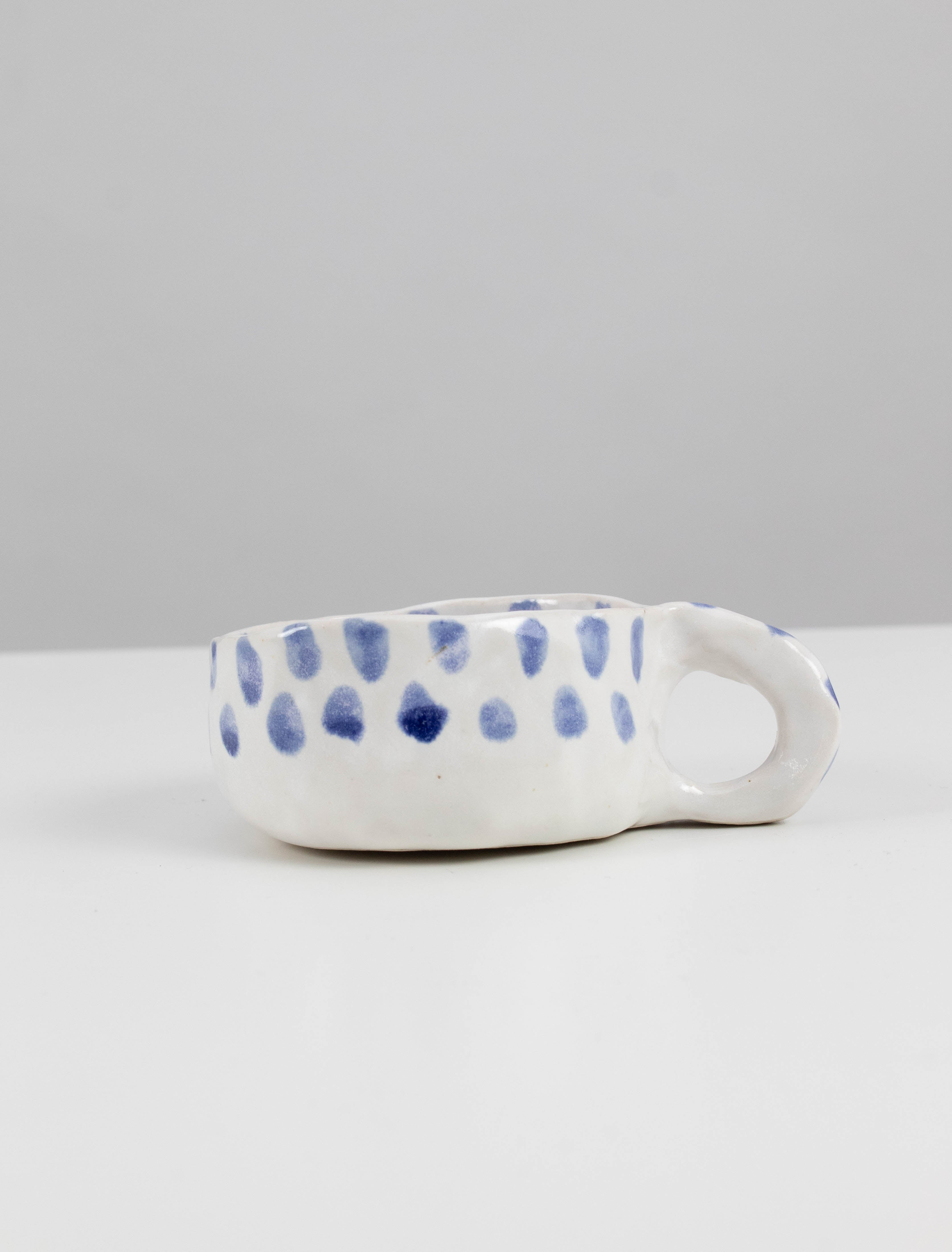 Low dotted cup