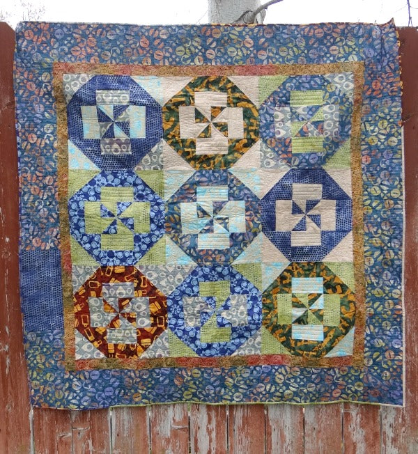 Disappearing Quilt Block ebook. Learn the technique with 7 different quilt blocks and 6 projects.
