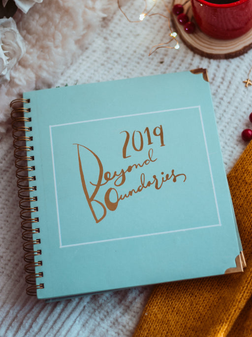 Beyond Boundaries 2019 - Yearly Planner (Mint)