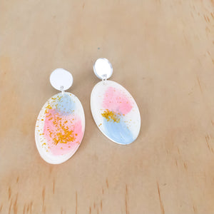 the classic oval PAINT PATTERN dangle