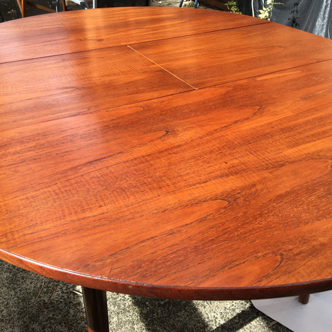 Dining Table restored with Bio Teak Oil to give a healthy glow to the timber and provide a hard wearing surface.